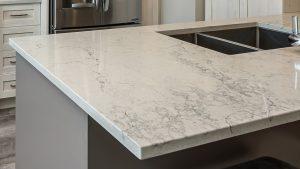 comptoir de quartz effet marbre